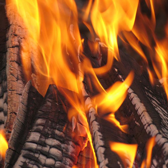 BBQ & Outdoor Patio - Wood